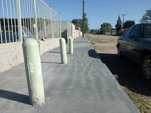 CONCLUYE CONSTRUCCIÓN DE BANQUETAS EN LAS VARAS.