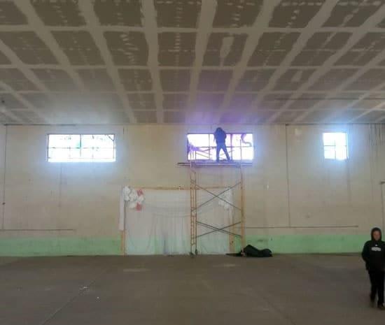 Continúa  remodelación de gimnasio seccional en Las Varas.